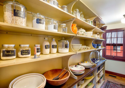 West-Wing-Butler's-Pantry-1